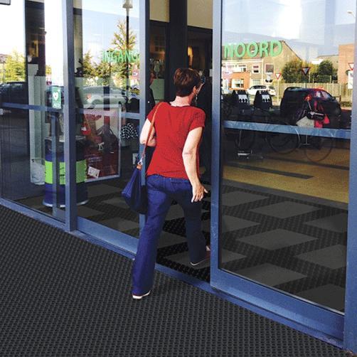 Master Flex Gummiplatte D23 im Eingangsbereich
