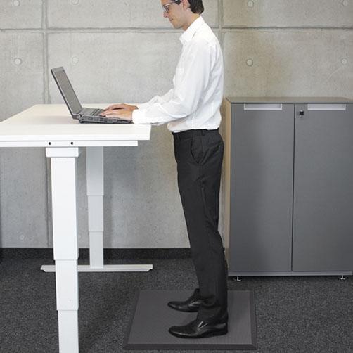 Dauerhaftes Stehen am Arbeitsplatz ist kein Problem