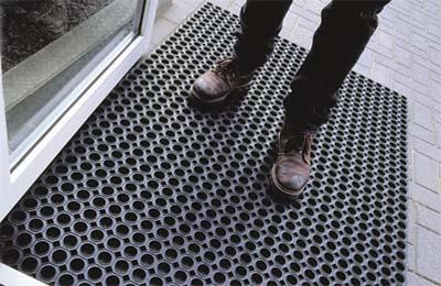 Ringgummimatte als Schmutzfangmatte am Eingang
