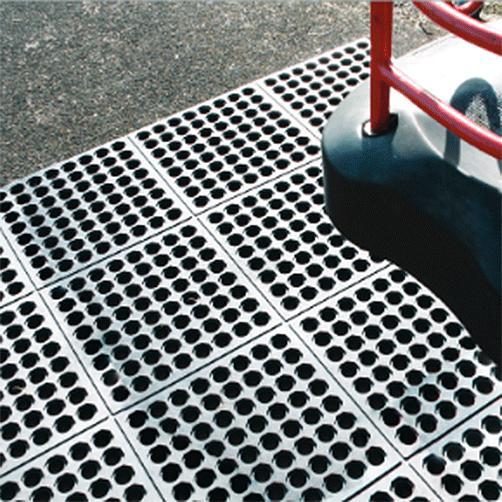 Fallschutzgummimatten Stecksystem Fatique Step im Einsatz